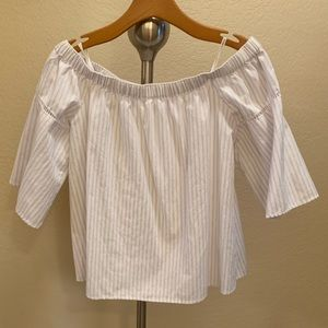 Abercrombie & Fitch size med off-shoulder blouse
